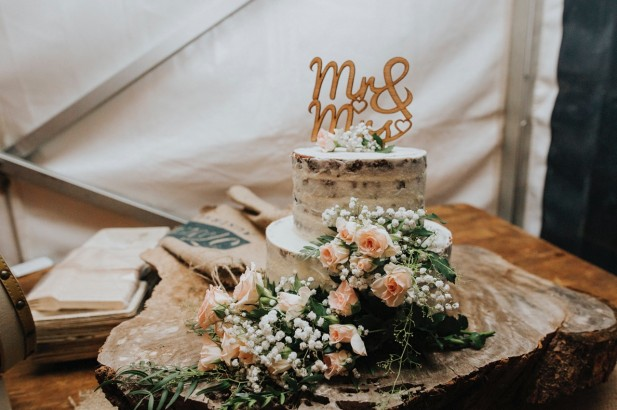 The Wedding Cake & Flowers